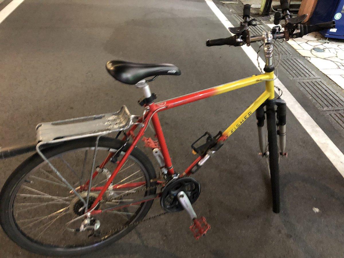 地元の友達数人と呑んでたんだけど、友達が1年前にパクられたと言ってた自転車が、飲んでた店の隣の駐輪場で見つかって爆笑してる。警察呼んだ。
