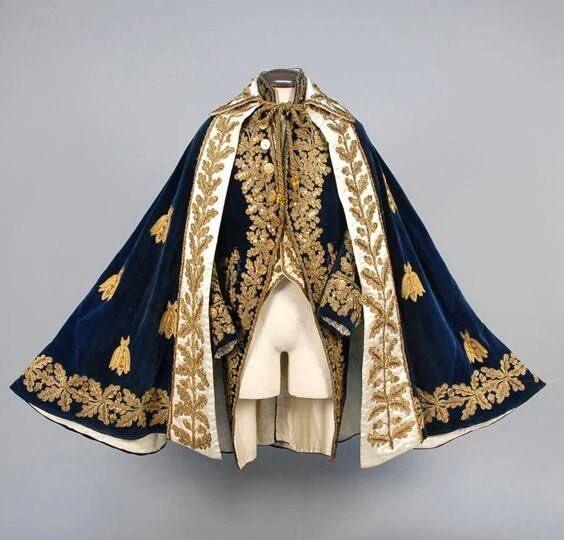 ナポレオニックは服がアニメっぽくて好き