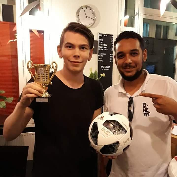 RT @AhmetRNewt: Champ of #RNewt FIFA first edition @Btown #Boxtel #Jongerenwerk #ContourdeTwern #RNewt @Boxtel