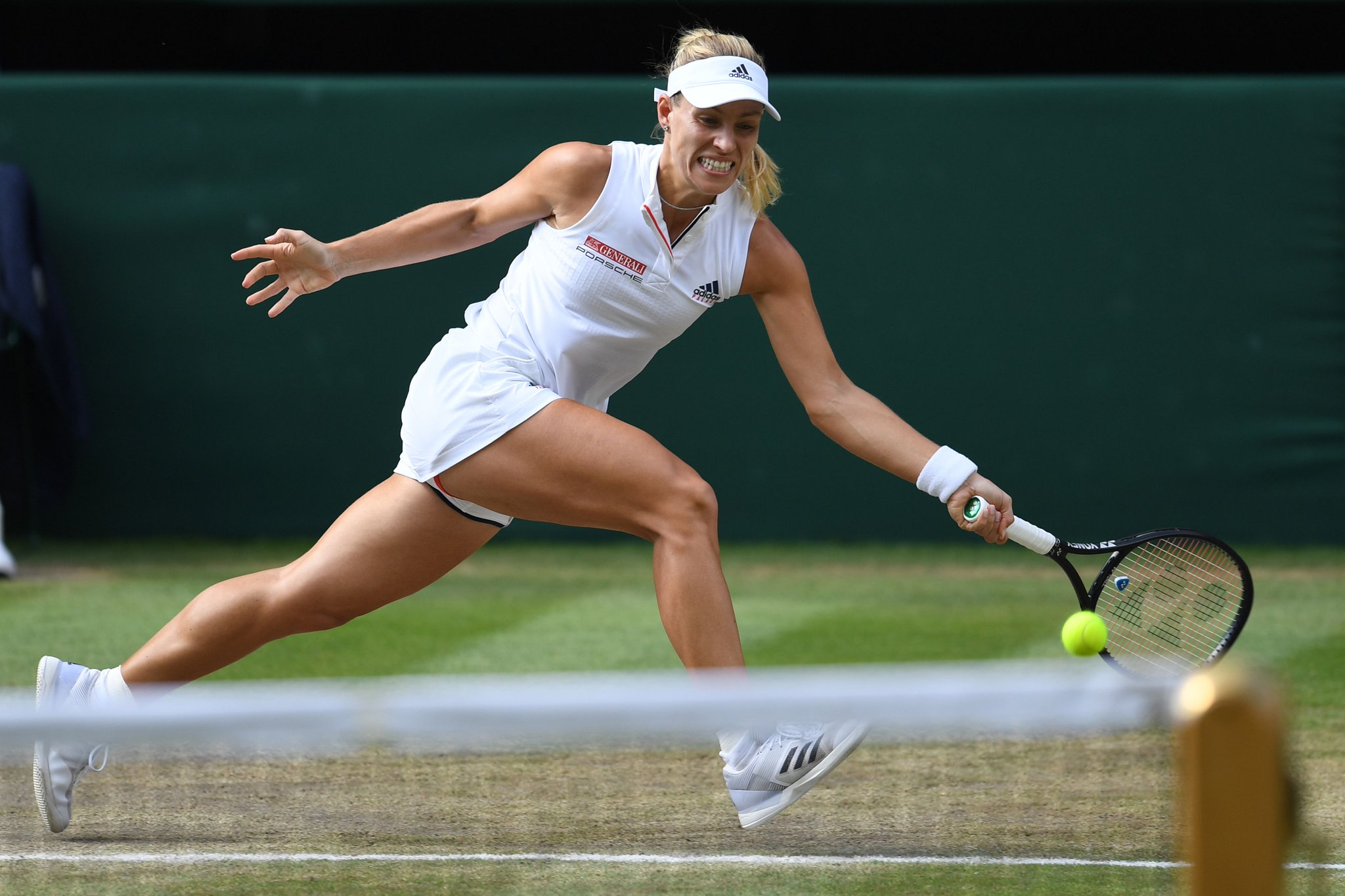 .@AngeliqueKerber is the @Wimbledon champion!  Eases past Serena Williams 6-3, 6-3! https://t.co/k7oMPhLaRV