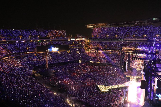 #repTourPhilly that was SO FUN that we think we'll do it all over again tonight 😍 Foto