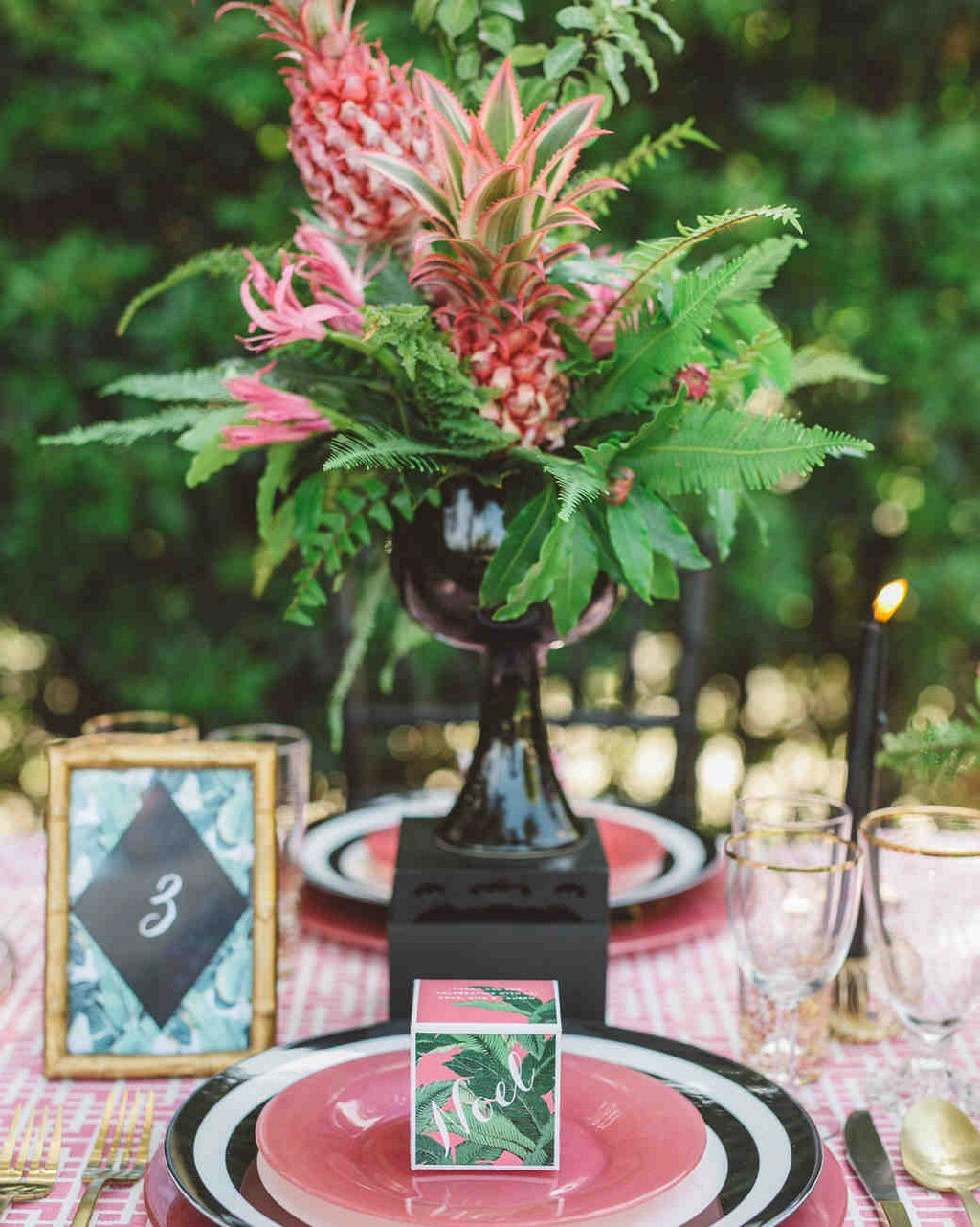 22 Wedding Centerpieces Bursting with Fruits and Vegetables https://t.co/2DKXNTNWc4 https://t.co/ZdICHWxqja