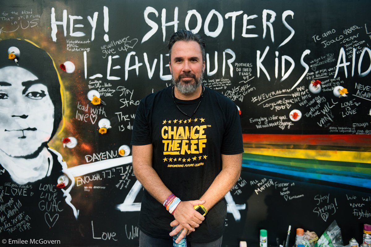 RT @RoadToChange Thank you to all who came out to the #RoadToChange Block Party in Orlando last night. Big shoutout to @ChangeTheRef who painted a beautiful wall in honor of Parkland and Pulse. Our solidarity makes us stronger. #MarchForOurLives