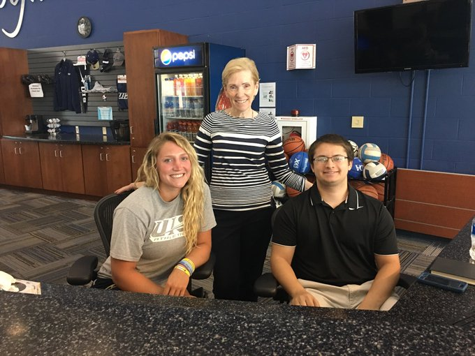 RT @ChancellorKoch: Stopped by the #UISedu TRAC today to find students Morgan and Jacob managing recreation and fitness activities! #Leader…