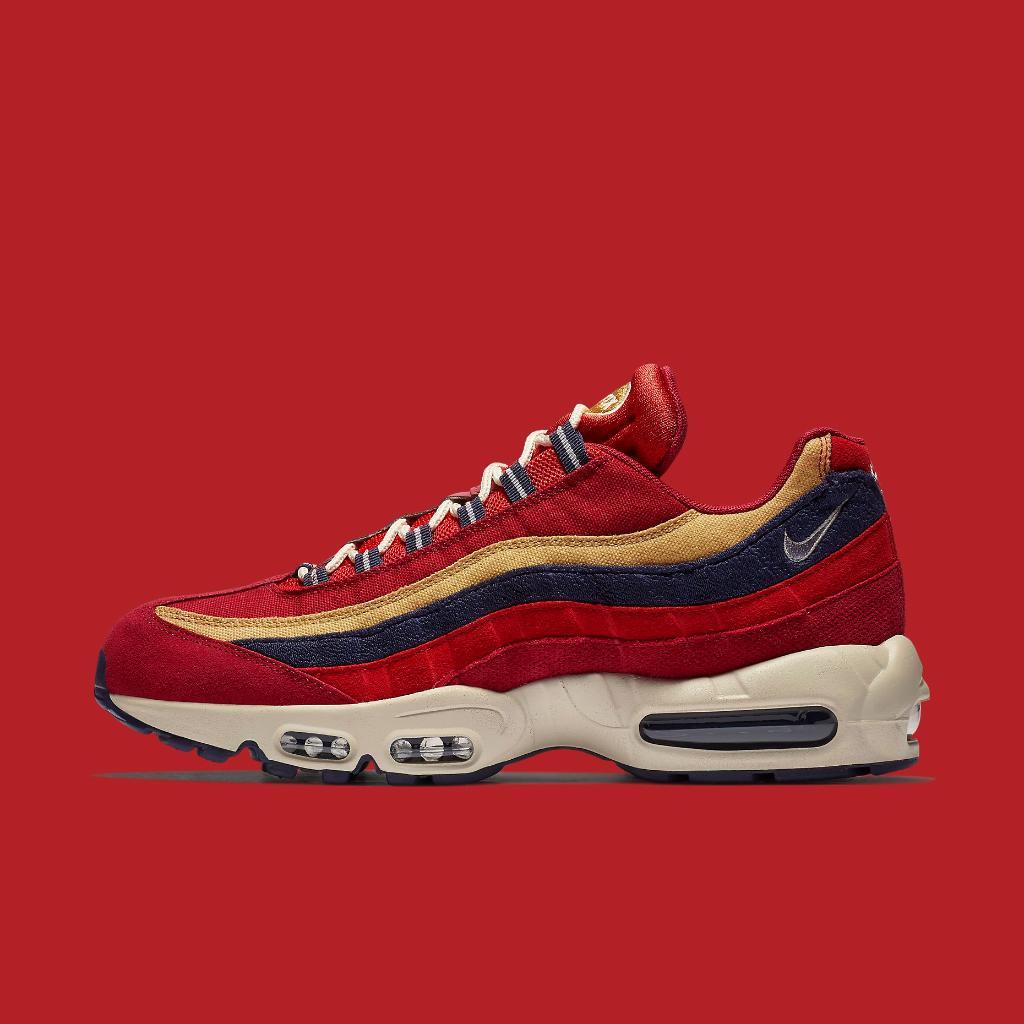 Foot Locker On Twitter Pick Up Something Fresh This Weekend Nike