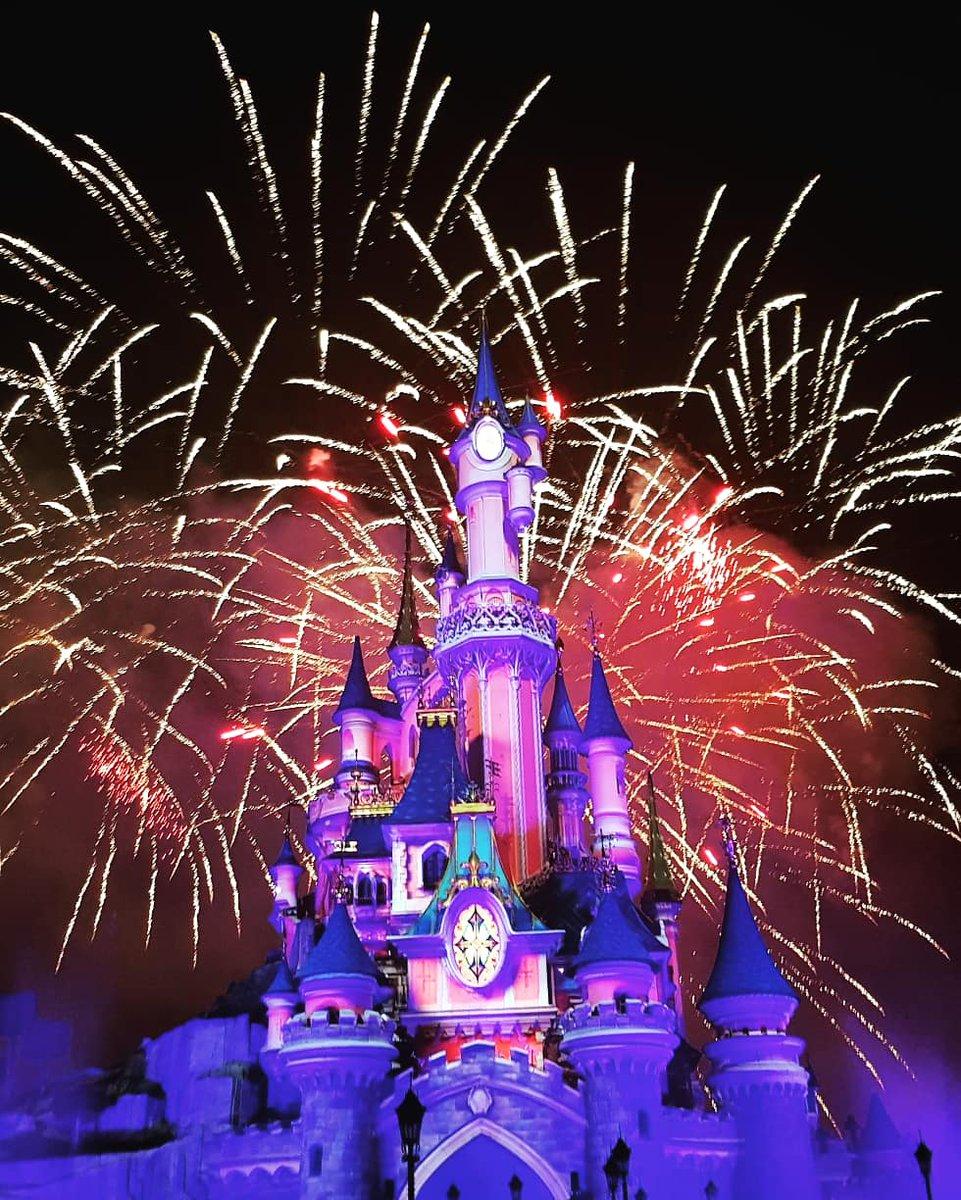 Feu d'artifice du 14 Juillet ✨🎆 Thank's Disney 💖  #DisneylandParis @DisneylandParis  #FeuxDArtifice #DREAMS