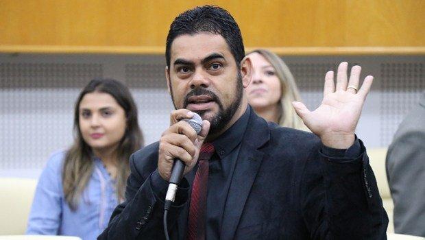 Líder do prefeito minimiza críticas e garante diálogo para reforma da Previdência - Jornal Opção https://t.co/tnkjL6PkkC