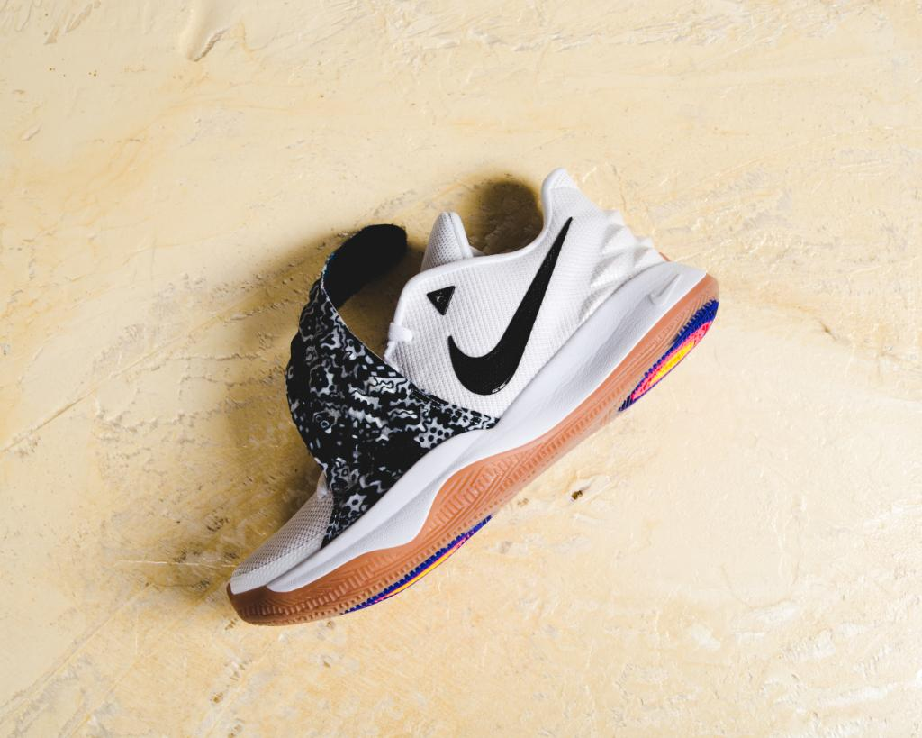 lowest price 975fc dd2fe Get low. #nike kyrie 4 low white/black launching in-store ...