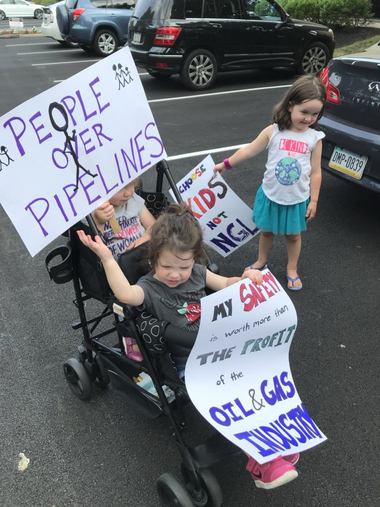 Raising 3 strong and powerful humans!  Never too young to start advocating for their rights and their earth. #climatechange #thenextgeneration #beyondgas #peopleoverpolluters @GovernorTomWolf, protect our children and their clean air &amp; water? <br>http://pic.twitter.com/fGALwZdnx6