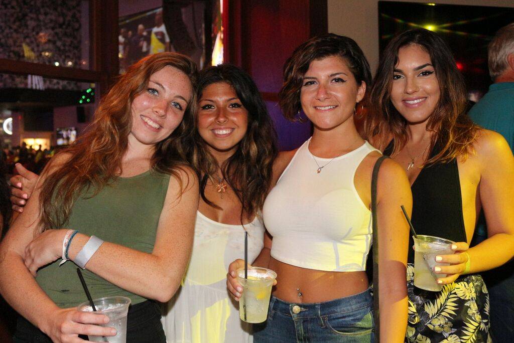 Grab your babes, grab some brews and join us for a wild Saturday night here at #XfinityLive 😜