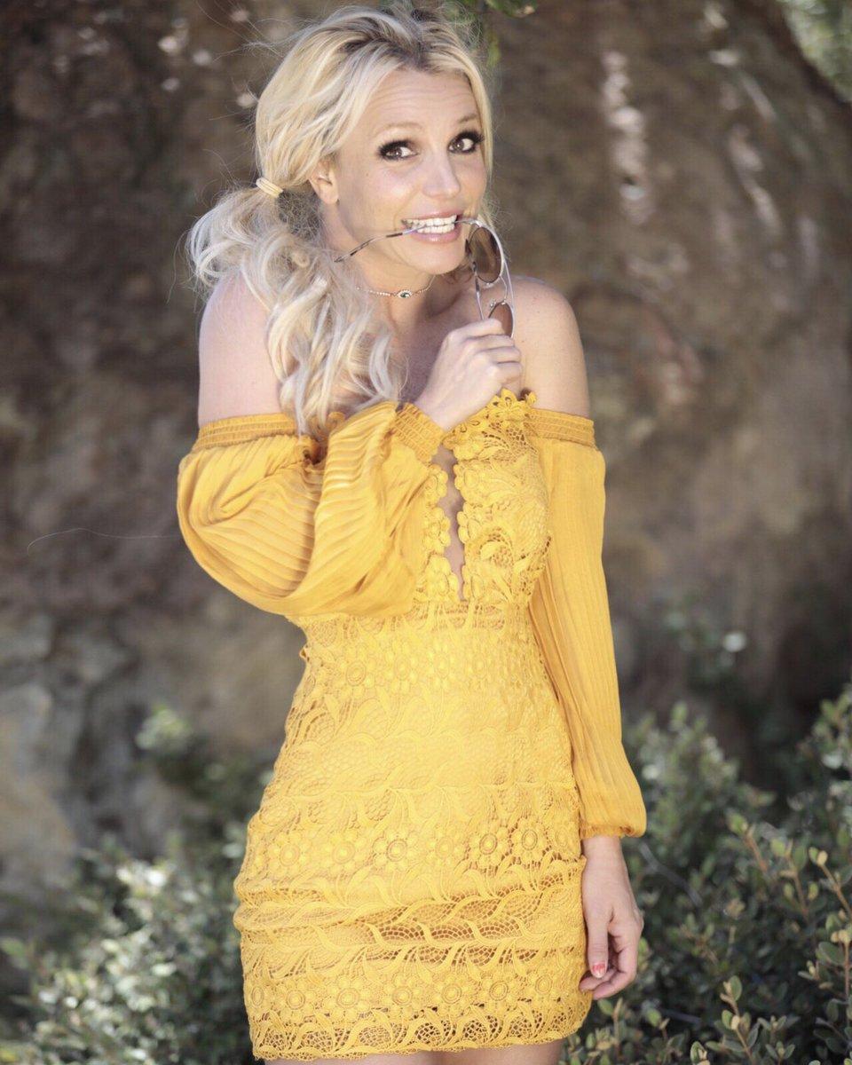 Britney Spears top tweets