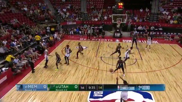 Carter (18 PTS) & Niang (16 PTS) are pacing the scoring at the break! #NBASummer https://t.co/jVTzc7BewR