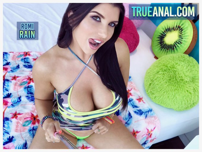 2 pic. Check out my new scene on @TrueAnal now! 😈💋💦 https://t.co/aWMPkSVSMd
