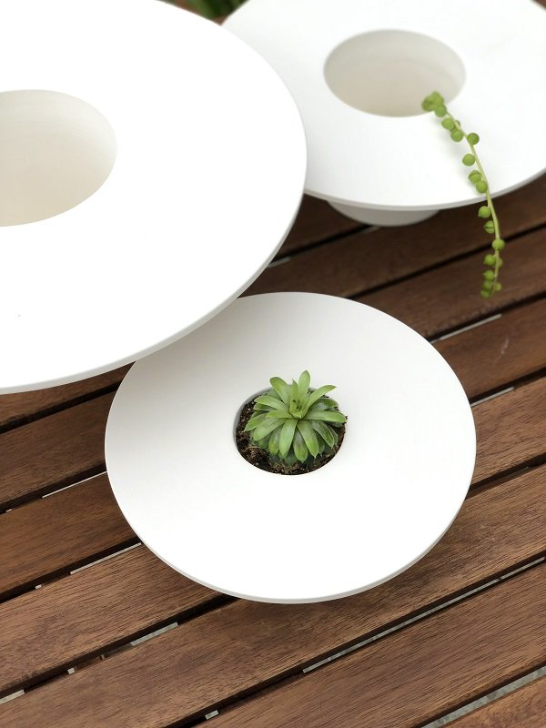 New blog post   Much more than things   The pretty TriPot planters by BAG Disseny studio for Livingthings…    https://www. accessorizeyourhome.nl/much-more-than -things-the-pretty-tripot-planters-by-bag-disseny-studio-for-livingthings/ &nbsp; … <br>http://pic.twitter.com/9bdlSHBdy4