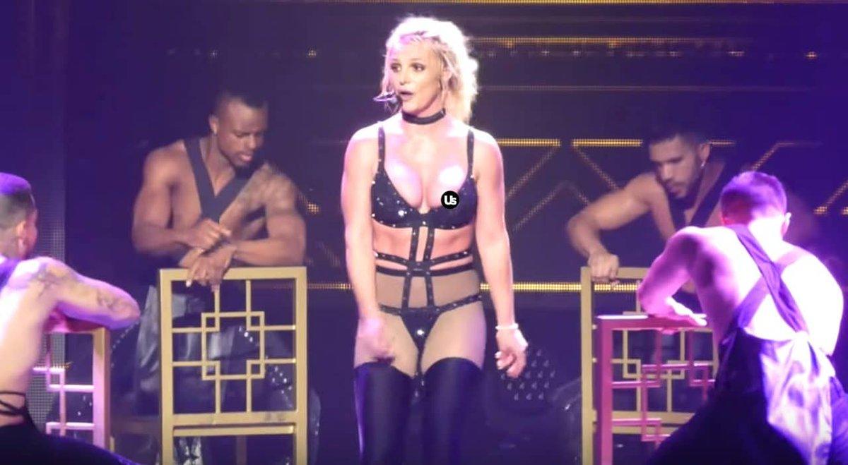 Nipple britney Britney Spears