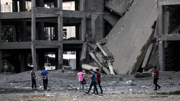 Nuova escalation a #Gaza tra razzi e raid, poi #Hamas annuncia tregua con Israele https://t.co/uQaY0Y14Dv