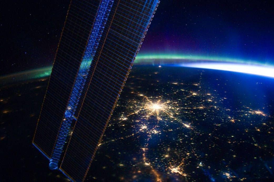 Reconnaissez-vous cette ville immortalisée depuis la Station spatiale internationale ? Cet après-midi, l'@equipedefrance pourrait y décrocher une 2e étoile... #CM2018 #FRACRO https://t.co/plLuYM228H