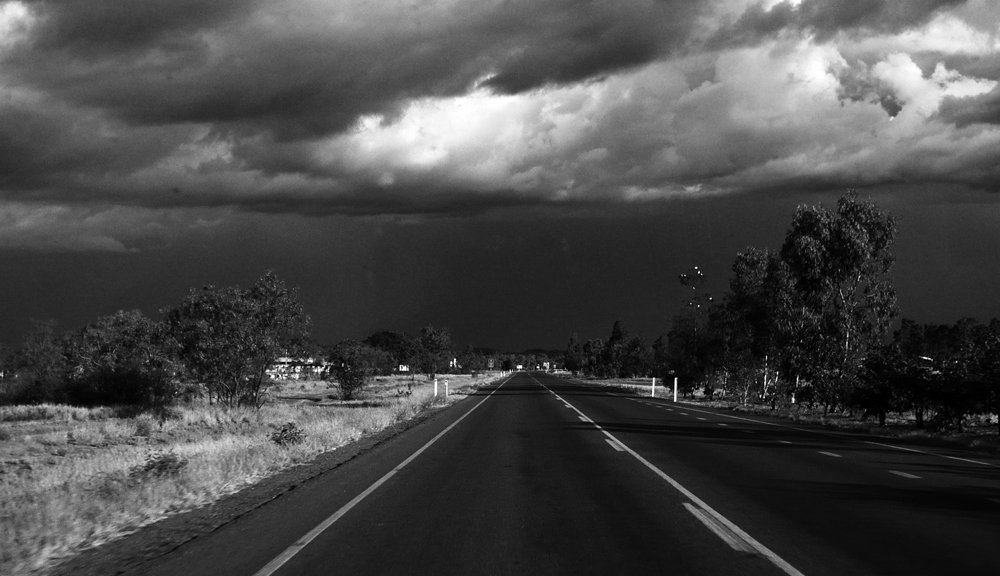 on the road again... #bnw #blackandwhite #monochrome #roadtrip<br>http://pic.twitter.com/9sGODRtEzh