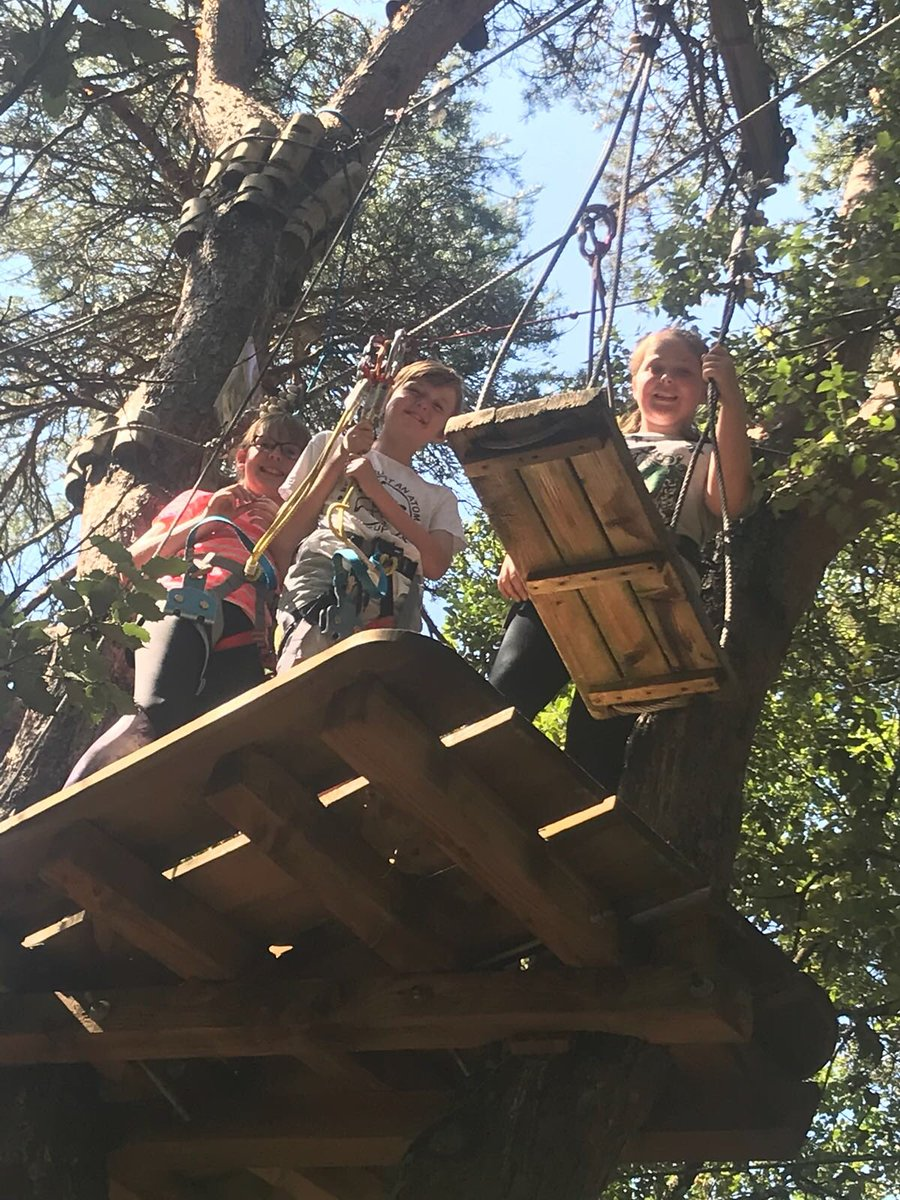 High ropes for some today! @Rodillian_Ac #FranceResilienceCamp2018