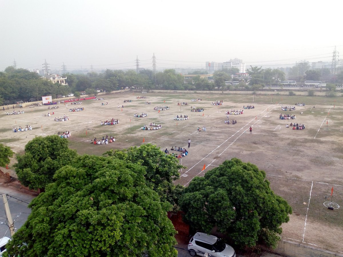 &quot;Shakha Sangam&quot; of Kanjawala District, Northern Region, Delhi. 74 RSS Shakhas at one place. 1100 Swayamsevaks participated in this confluence. <br>http://pic.twitter.com/b54X3zjOJM