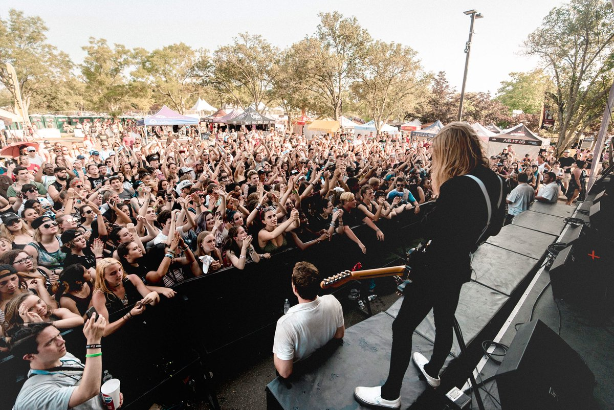 HARTFORD, CT. @VansWarpedTour.   Set time: 1:40 on the @owlyapp stage.   Signing/photos: 3:30 at our merch tent.   Ben's @thinktei: 5:00.<br>http://pic.twitter.com/wdxi2t5WpB
