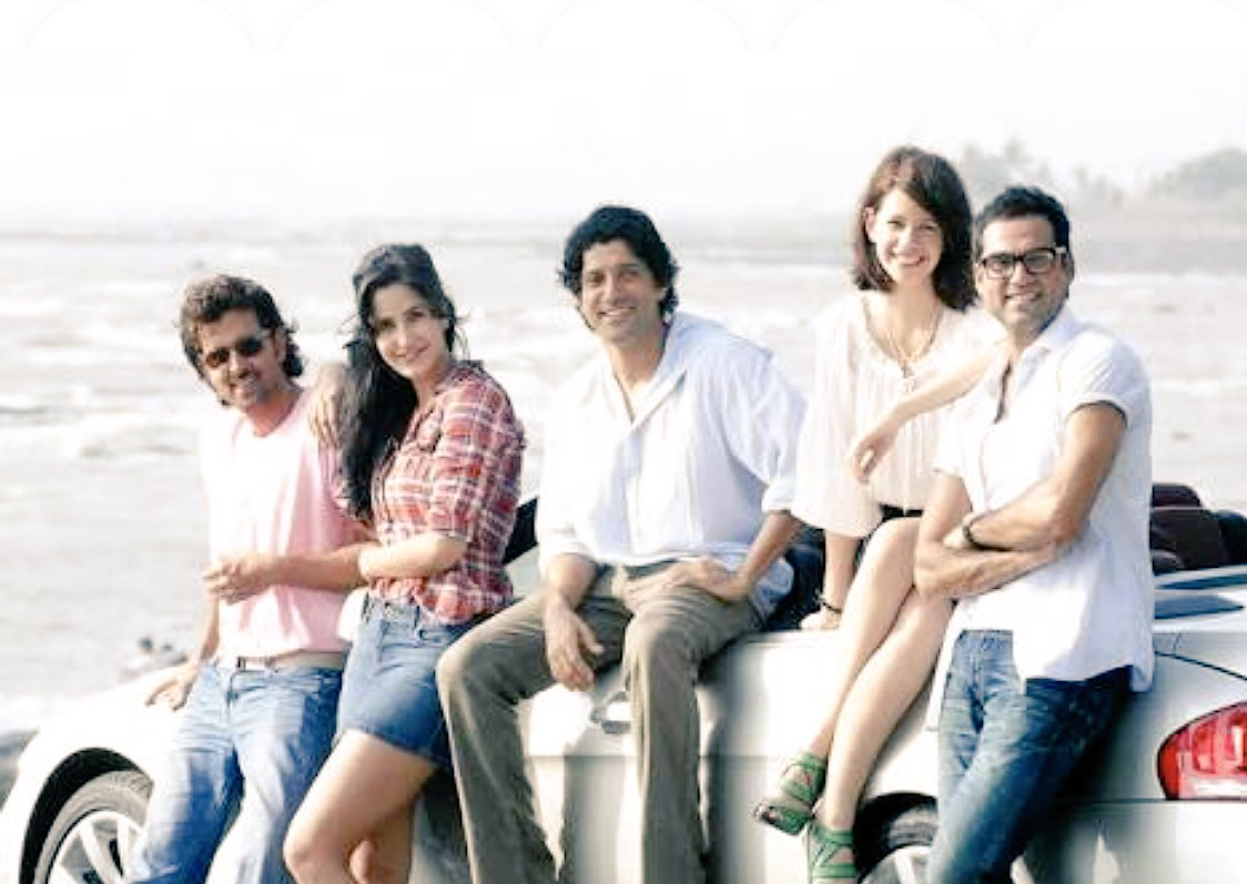 ZNMD turns 7 today. Big big hug to Zoya, the amazing cast & crew wherever they are rght now. And love to all of you the mantal peoples for keeping it's spirit the alive. 😊❤️