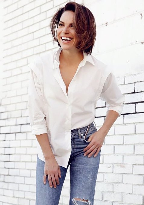 Happy birthday to one of my favourite actresses, the wonderful lana parrilla