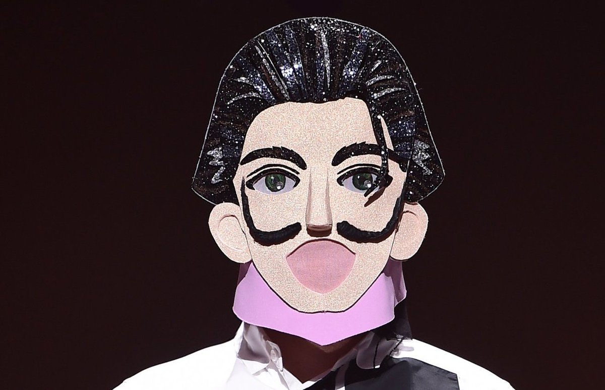 Main Vocalist Of Boy Group Blows Everyone Away With His Vocal Talent On &quot;The King Of Mask Singer&quot;  https://www. soompi.com/2018/07/15/mai n-vocalist-boy-group-blows-everyone-away-vocal-talent-king-mask-singer/ &nbsp; … <br>http://pic.twitter.com/ufsUIeyFSi