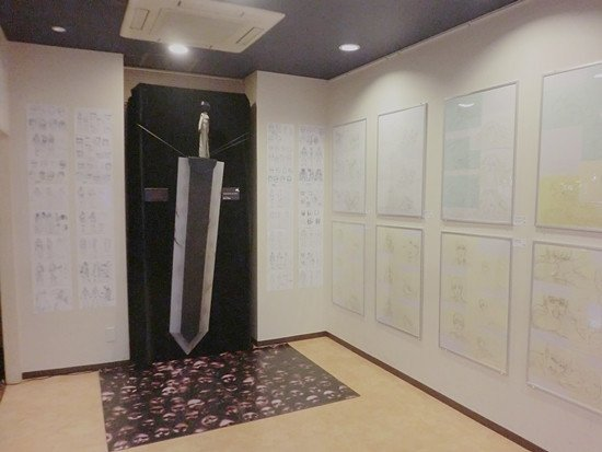 Berserk exhibition in Osaka with a Dragon Slayer &quot;real size&quot;. I need this in my house :) <br>http://pic.twitter.com/hztQ1Yv4nq