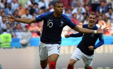 Copa do Mundo acaba hoje. Vai França! https://t.co/fXus3apJ39
