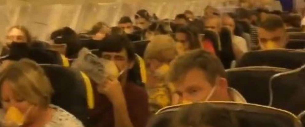 33 passengers hospitalized after Ryanair flight plummets almost 30,000 feet. https://t.co/zM6xMNnXnZ https://t.co/weKP3D5MN3