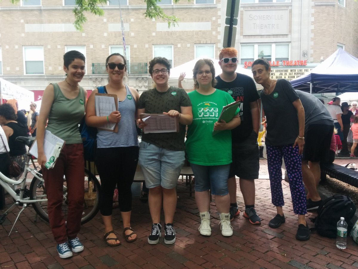 Our Boston team getting the word out about #YesOn3 at the #Somerville #ArtBeat festival yesterday! Their hard work recruited 30+ new volunteers! Join this amazing team working to uphold #transgender non-discrimination protections: https://t.co/EhOVoKdeTg #MApoli