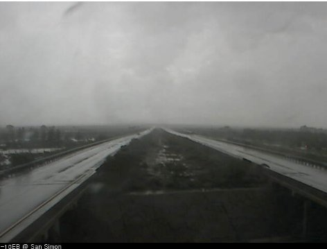 We're seeing some rain on I-10 at San Simon near the New Mexico state line. #aztraffic #azwx