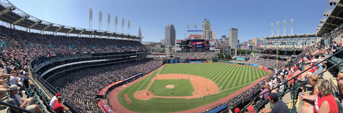 32,644 at Progressive Field today, marking the fourth straight game of 30,000+ at the park. #Indians https://t.co/TdgCviCaXf