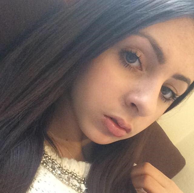 Help us find India Saxty, 16, #Missing from #Bedfordshire since Friday afternoon. It is believed that she took the train to #London.  India has links to #KensingtonandChelsea. Police are concerned for her welfare. If you have information please call @KenChel police on 101