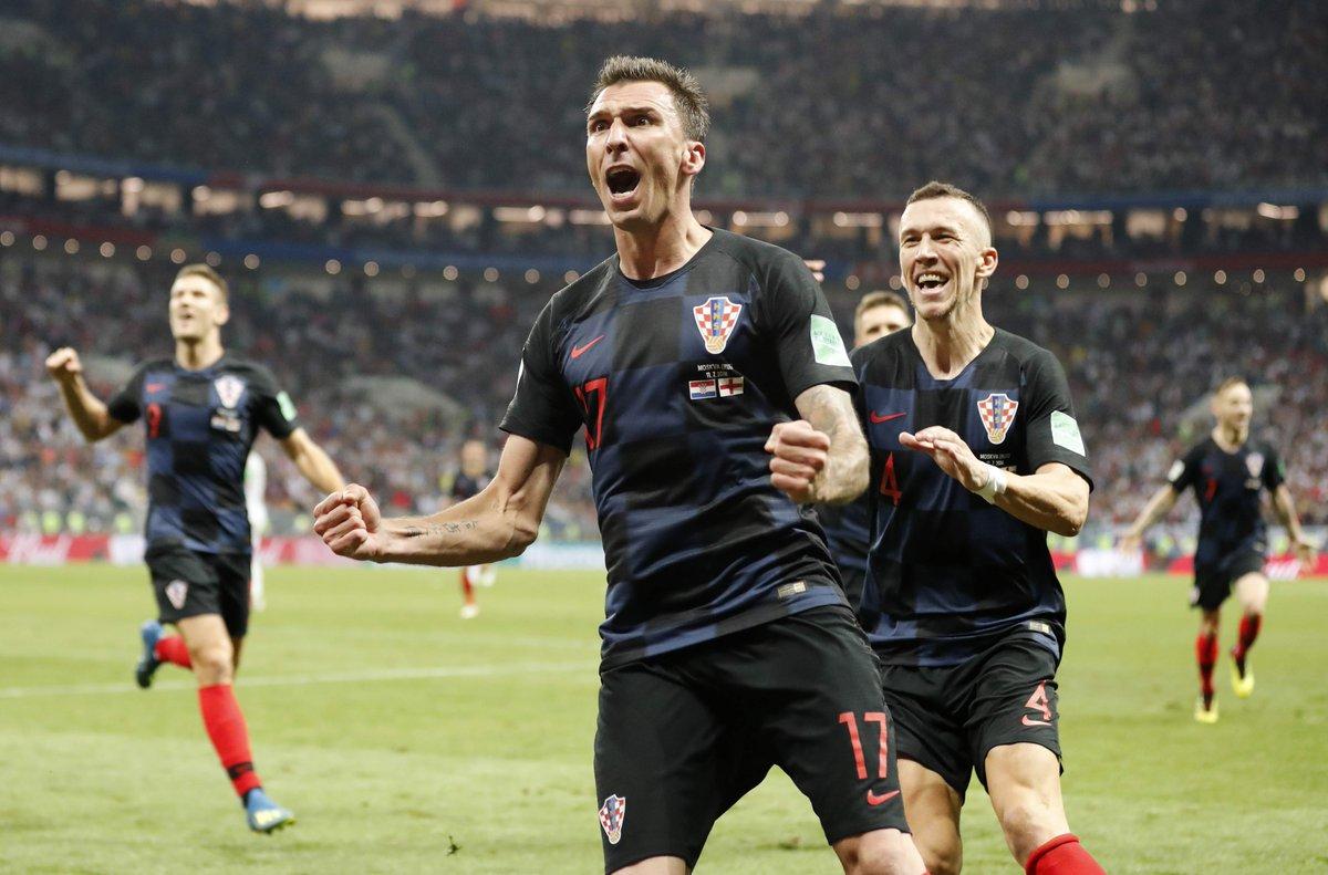 Mario Mandzukic est le 5e joueur dans lhistoire du football à avoir marqué en finale de Ligue des champions et en finale de Coupe du Monde. Il égale Ferenc Puskas, Zoltan Czibor, Gerd Muller et Zinedine Zidane.