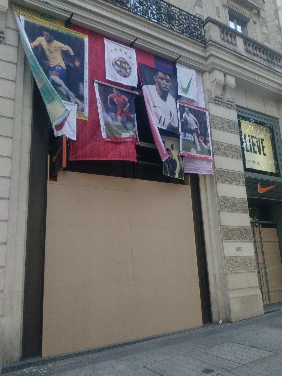 pas mal da24c d8ce5 Alexis Citadium Nike Ou Enseignes On Comme Des Kraland Se ...