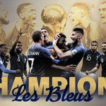 Image for the Tweet beginning: LES BLEUS. 🇫🇷  France hoists the
