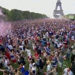 Torre Eiffel Twitter Photo