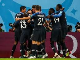 Match haletant et un peu bizarre (#Lloris, #Mandzukic), où la Croatie s'est vaillamment battue, mais la #France est rentrée de nouveau dans l'histoire du foot . L'équipe de France est championne, ça nous rajeunit de 20 ans ! La France en grand, en bleu !  #CoupeDuMonde  - FestivalFocus
