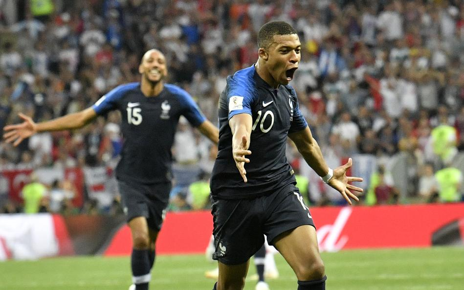 France wins 2nd World Cup title, beats Croatia 4-2 https://t.co/QeRAGdkGkY