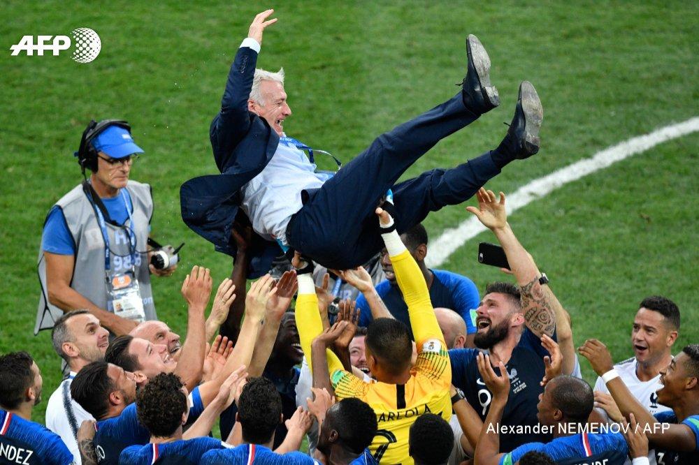 #CM2018 20 ans après, Didier Deschamps à nouveau champion du monde #FRACRO #AFP