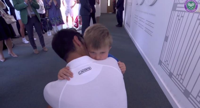 Tennis World Usa On Twitter Novak Djokovic Hugs His Son Stefan After Wimbledon Triumph Https T Co 8giwe3tmwp