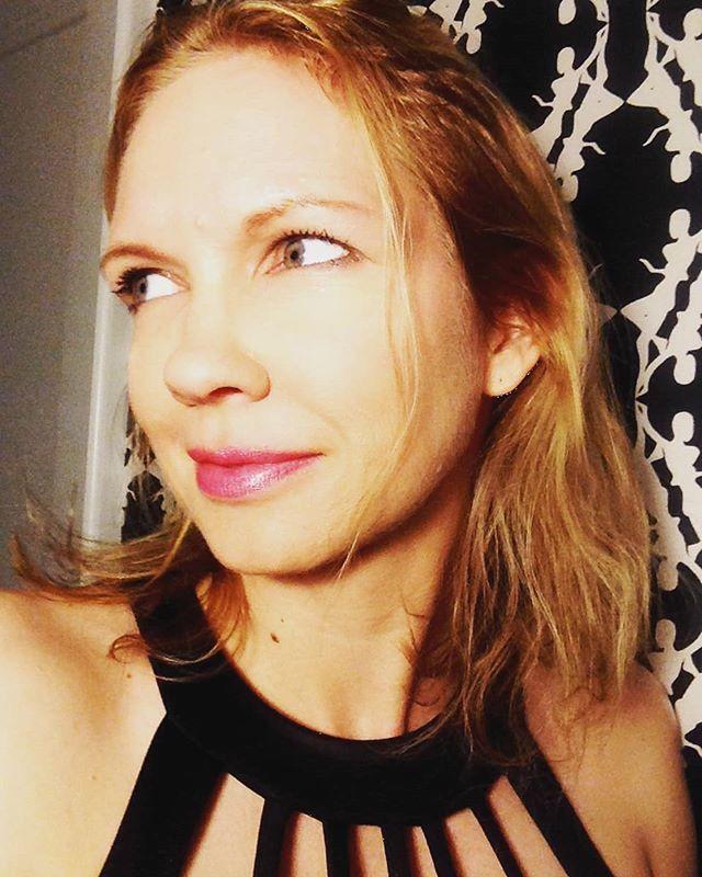 Black and white blonde #blondehair #RDG https://t.co/ZCtVqo20kp...