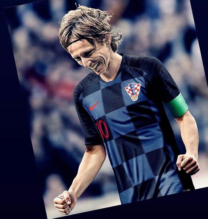 How I fell in love with a whole country... Thank you ModrIC, RakitIC, RebIC, PerisIC, KamarIC, ManzudIC, SubasIC, BradaraIC, Vidal, Lovren, and all other &quot;ICs&quot;...  #WorldCupFinal #Croatia ...  History for Croatia!!! <br>http://pic.twitter.com/R7sT5697og