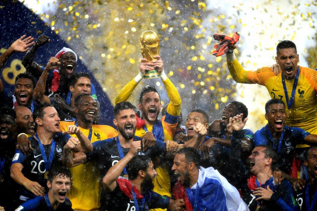 🇫🇷🆚🇭🇷 4⃣-2⃣  #WorldCupFinal #FRACRO  La Francia è campione del Mondo ✅ I Bleus bissano il successo del 1998 ✅ @KMbappe primo Under 20 a segnare in finale dopo Pelé ✅