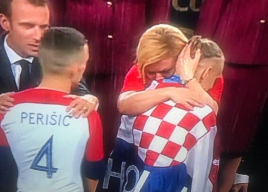 Perišic be like &quot;Guy free me, let me get my free hug&quot; <br>http://pic.twitter.com/6y3rUrLOKp