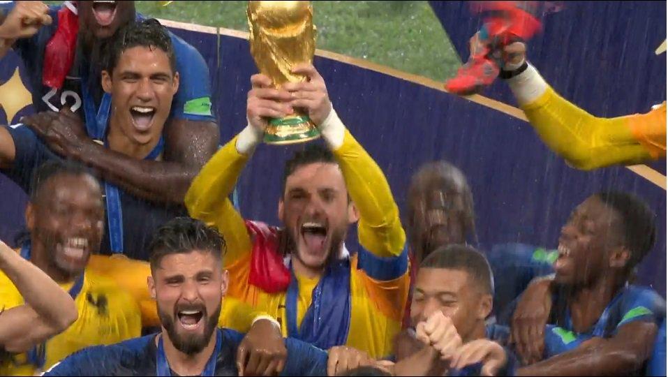 ЭТО БЫЛ ПРЕКРАСНЫЙ ЧЕМПИОНАТ! ЛУЧШИЙ ЧЕМПИОНАТ!   Ликует Франция и сборная Хорватии! Невероятные чувства! Спасибо всем командам-участникам ЧМ-2018 за такой крутой футбол!   СПАСИБО, РОССИЯ!   #ЧМ2018 #WorldCup