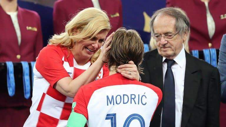 Croatia President wiping the tears of their national hero Luka Mordric. What a sight  #WorldCupFinal  #FRACRO<br>http://pic.twitter.com/OXHxTYBzps