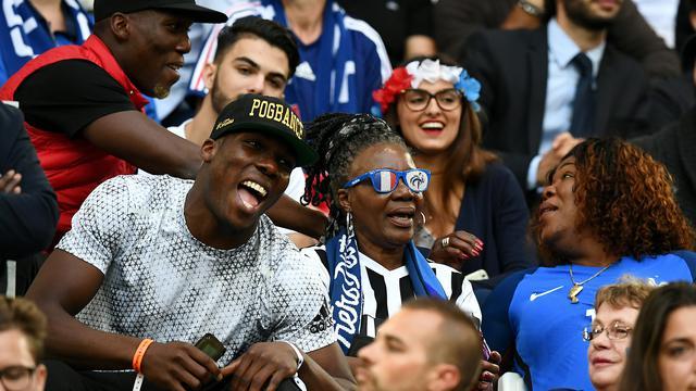 #CM2018 - La France championne du monde : la vidéo des frères Pogba en transe #FRACRO bit.ly/2mjqtKn